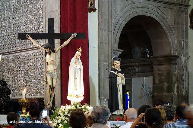 (nas fotos, a imagem peregrina de Nossa Senhora de Fátima, hoje, na Igreja de S. Domingos, Viana do Castelo) Olhar Viana do Castelo