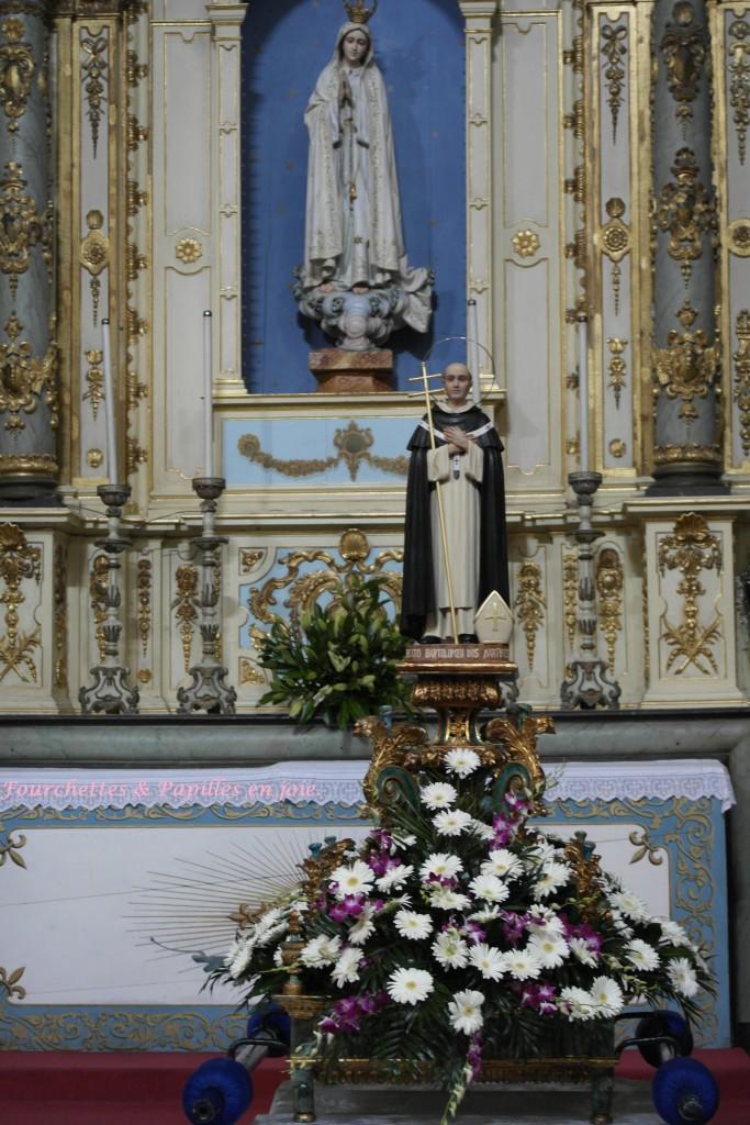 procession de l'image Pèlerine de Notre-Dame de Fatima.