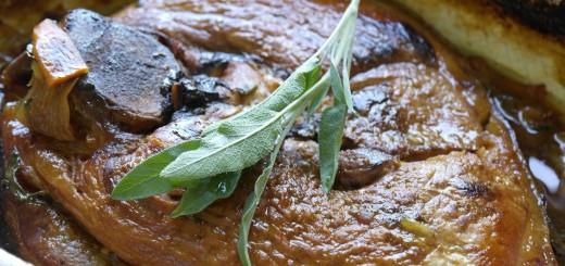 Rouelle de porc rôtie à la sauge