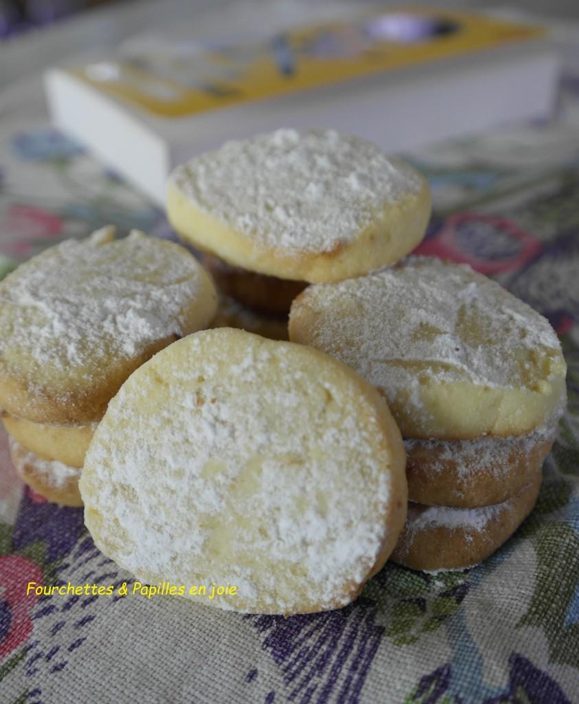 Petits sablés au combava (ou au citron)